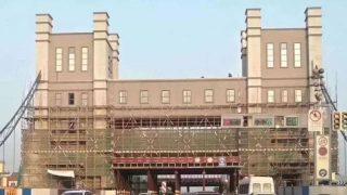 Des lieux de culte transformés en maisons de style chinois