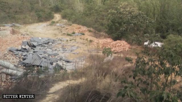 Un temple du village de Chen'gou situé dans le bourg de Qiaolou a été entièrement rasé.
