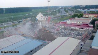 Église démolie, croyants accusés à tort et arrêtés