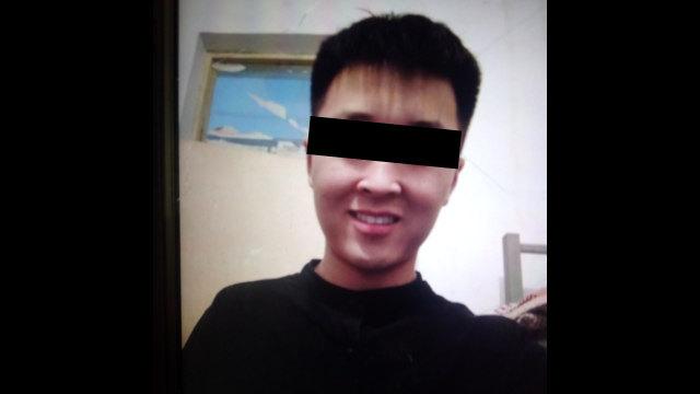 Zhang Ning, un lycéen du comté de Zhecheng est mort dans des circonstances mystérieuses à l'âge de 18 ans sur un campus scolaire.